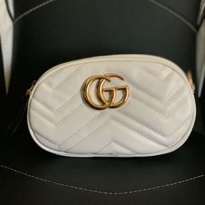 White Gucci woman purse/ Fanny pack